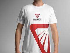 Güçlü Logo T-shirt Tasarımı