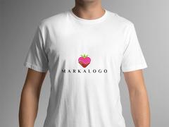 Çilekli Logo T-shirt Tasarımı