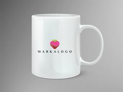 Çilekli Logo Mug Tasarımı