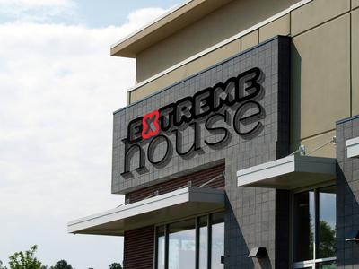 Extreme house logo